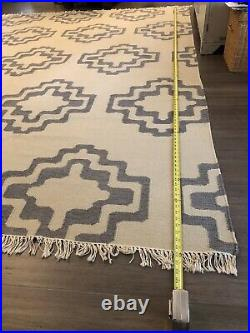 Pottery Barn 8x10 Rug Dhurrie Wool Fringe, Non-smoker, No Pets, Excellent